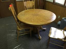 round oak dining table w 4 chairs 1 leaf