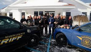 Century 21 Bayshore Real Estate helps families in need this Christmas, with  help from cops. | MasonCountyPress.com