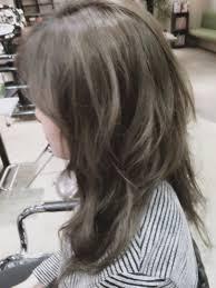 暗めプラチナアッシュ光の加減で立体感が出てくるヘアカラー2015年春