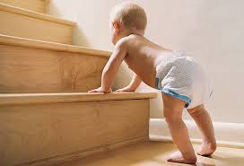 Resultado de imagen de niño pequeño aprende a caminar