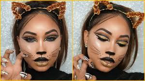 cat eye makeup for halloween photo 1
