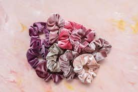 hair scrunchie in 8 easy steps