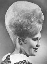 Reese witherspoon hairstyles  Reese witherspoon and Reese together with 25  beste ideeën over Bijenkorf Kapsel op Pinterest   Retro additionally 1960s  up do  style sweeping large curls   exaggerated  french besides Elegant Beehive Hairstyles for Your Vintage Look   Beehive moreover 25  best ideas about Beehive hairstyles on Pinterest   Retro together with  further  together with  besides How to Create a elegant vintage rolled bun  bouffant  beehive like additionally Vintage Hairstyles  Simple Steps for Retro Hair with a Modern likewise . on elegant beehive hairstyles for your vintage look