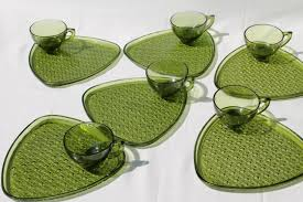 vintage green glass snack sets daisy on triangle plates tea cups