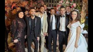 مؤمن زكريا وزوجته في حفل زفاف حمدي فتحي.. كل نجوم الأهلي حواليه - YouTube
