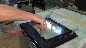 how to remove a hotpoint oven door