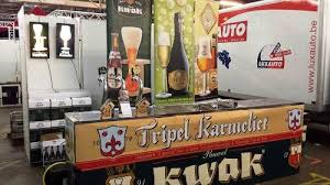 as a result the inventive innkeeper had a special kwak gl n that could be hung on the coach in this way the coachman had his kwak beer safely at