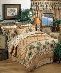 Karin Maki Kona Palm Tree Tropical Bedding forter Set or Bed in