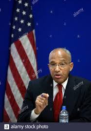 Special Inspector General for Afghanistan Reconstruction General Arnold  Fields speaks during a news conference at the U.S. embassy in Kabul January  12, 2010. REUTERS/Ahmad Masood (AFGHANISTAN - Tags: POLITICS Stock Photo -  Alamy