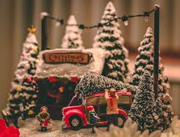 christmas pictures. Pine Cone On Top Of Red Vehicle Christmas Table Decor To Pictures