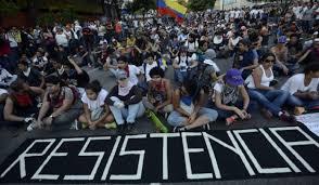 Resultado de imagen para Venezuela resiste militares rebeldes