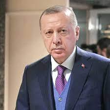 Erdogan schläft kurz bei seiner Eid-Botschaft ein – Video sorgt im Netz für  Gelächter - 24.07.2021, SNA
