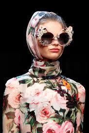 Dolce Gabbana Spring 2016 Ready to Wear Fashion Show Details.