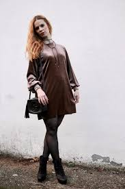 I have to admit this outfit is from a couple of weeks ago, my bump is much  much bigger now! Nevertheless I wanted to show you this trendy velvet dress  I ...