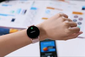 As confusing as it might seem, the galaxy watch active 4 will launch with the name galaxy watch 4, while the galaxy watch 4, the premium smartwatch, will launch as the galaxy watch 4 classic, so keep that in mind. Samsung Galaxy Watch 4 Might Launch At Mwc 2021 On June 28 Gizmochina