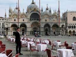 All of Italy on lockdown as coronavirus ...