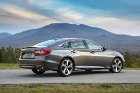 Review standard and optional interior, exterior, mechanical comfort, entertainment equipment and their warranties for a 2018 accord sport 2.0t 4dr sedan. 2018 Honda Accord Touring 2 0t