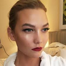 you need to follow most famous makeup artist in uk vidalondon