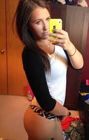 Amateur girl mirror self pix