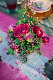 berry colored fl centerpiece paula bartosiewicz photography see more on bohemian