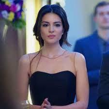 Melisa Aslı Pamuk | Beautiful black hair, Beauty girl, Girl short hair