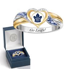 maple leafs pride ring 7