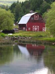 Gorgeous red barn; lake reflection by Polly Alexander Photography | Old  barns, Country barns, Barn pictures