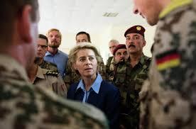 Урсула фон дер Ляйен Глава Минобороны Германии отрицает плагиат  Немецкая