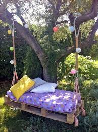 cool wooden garden swing from pallets