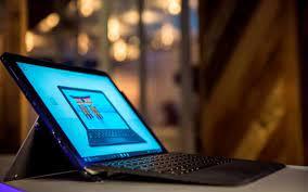 Dünyanın ilk wireless şarj özelliğine sahip laptopu satışa çıktı - Dünya  Gazetesi