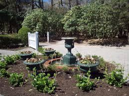 heritage museum gardens fountain copyright 2016 by sara letourneau