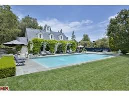 2 bedroom houses los angeles. this two storey house features like an exquisite formal dining room, expansive kitchen, elegant master wing, 2-bedroom guest house, separate bedroom 2 houses los angeles a