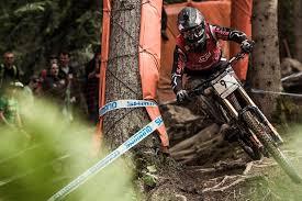 <b>Mountain bike brake</b> guide: Late braking tips | Red Bull