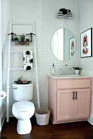 Ideas For Decorating A Small Bathroom Spiritualhomesco Unique Decorating Small Bathrooms On A Budget Ideas