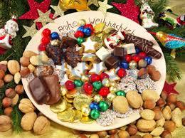 Bildagentur Pitopia - Bilddetails - Weihnachtsteller (mach0709) Bild 621010 weihnachtsteller, weihnachtsplätzchen, plätzchen, weihnachtsbäckerei, süßigkeiten, printen, frohe weihnachten, weihnachtsmann, weihnachtsschmuck, zimtstern, dominosteine ...