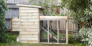 having freshly laid eggs every morning is easy with your very own en coop however there s a few things you ll need to consider if you plan to build