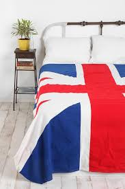 I've been wanting a Union Jack blanket since that Alexa Chung pic from