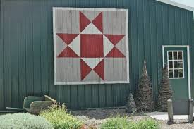 How to make a DIY barn quilt - NewlyWoodwards & SCAN0009 Adamdwight.com