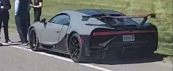 First is that rear wing, which seems like it belongs aboard a spacecraft in a star wars movie. Bugatti Chiron Pur Sport Makes For Very Expensive Fender Bender Autoevolution