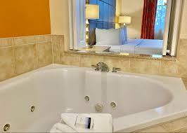 orlando hot tub suites hotels with