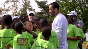 get out and enjoy nature ravens wide receiver tandon doss encourages kids at fort mchenry