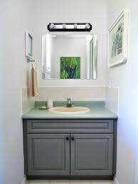 Half Bathroom Makeover Dans Le Lakehouse - Half bathroom