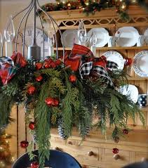 17 gorgeous chandelier for a yuletide home decor 11