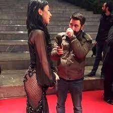 Hande Yener'in Kıyafeti Altın Kelebek'e Damga Vurdu - Haberler Magazin