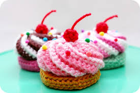 Crochet Cupcake Pattern Magnificent Video Tutorial Free Pattern Swirly Cupcake Hair Clips Twinkie