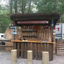 outdoor bar designs. outdoor tiki bar made with repurposed pallets designs