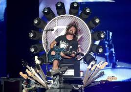 Dave grohl is an american musician best known as the former drummer of the grunge band nirvana and the lead singer and rhythm guitarist for the rock band foo in 1990, nirvana band members kurt cobain and krist novoselic met grohl while attending a scream performance on the west coast. Foo Fighters Biography Members Songs Name Meaning And Net Worth Unilad