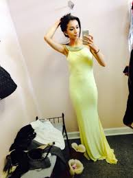 so i got my prom dress this weekend and it s yellow i was going to get a blue dress but somehow the yellow one captured my attention and i fell