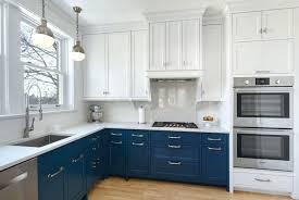 two tone kitchen cabinets two tone kitchen cabinet ideas l shapes two tone kitchen cabinets fad