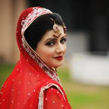 bridal makeup with red dress latest